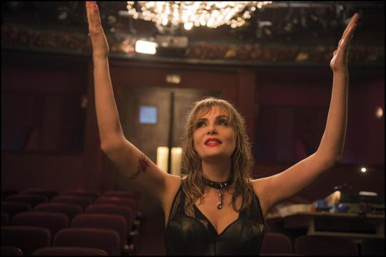 still-of-emmanuelle-seigner-in-venus-in-fur-(2013)-large-picture